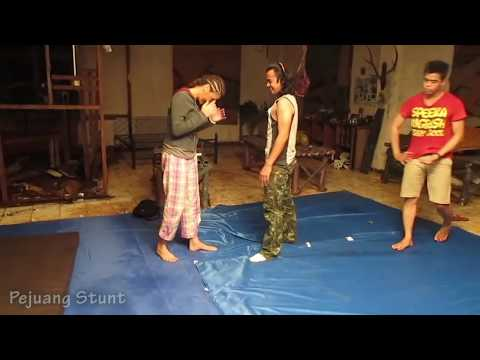Tamara Bleszynski dan Anne J Coto BTS Latihan Fight Coreography