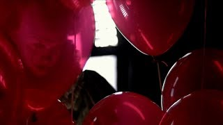 IT - Pennywise Featurette