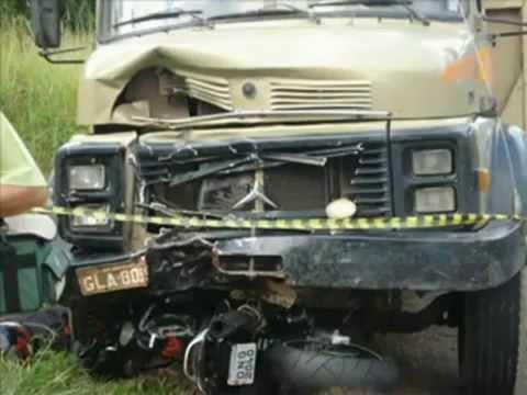 Alguns acidentes de carros e motos Junnin