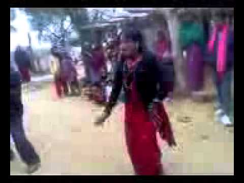 DESI AWESOME DANCE BY INDIAN VILLAGE LADY
