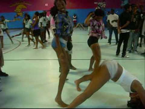 new orleans bounce wild out wednesday at airline skate center previews .wmv