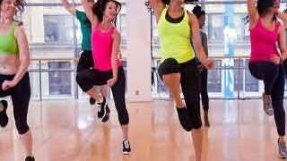 वजन और स्ट्रेस कम करने के लिए डांस एरोबिक्स - Onlymyhealth.com