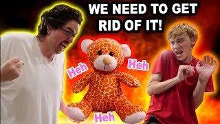 THIS BEAR IS EVlL!!! (WE HAVE TO DESTROY IT)