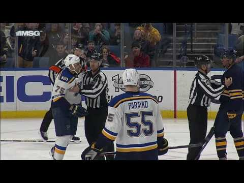 Does Kane throw an elbow on Reaves