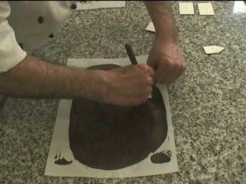 Decoración en chocolate de la Tarta Selva Negra 1 de 2 . Europast