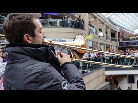 A surprise performance of Ravel s Bolero stuns shoppers