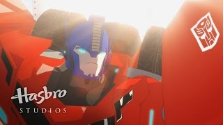 Transformers: Robots in Disguise - Meet Optimus Prime
