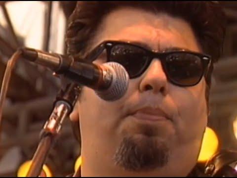 Los Lobos Ay Te Dejo en San Antonio 11 26 1989 Watsonville H.S. Official