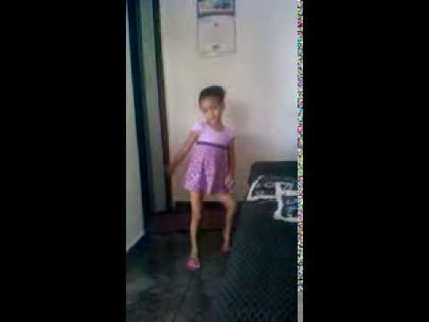 criança dançando funk 2014