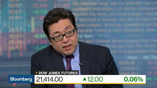 Fundstrat's Tom Lee Sees Market, Earnings Disconnect