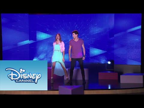 Violetta Los chicos cantan ¨Yo soy así¨ Temp 2 Ep 20