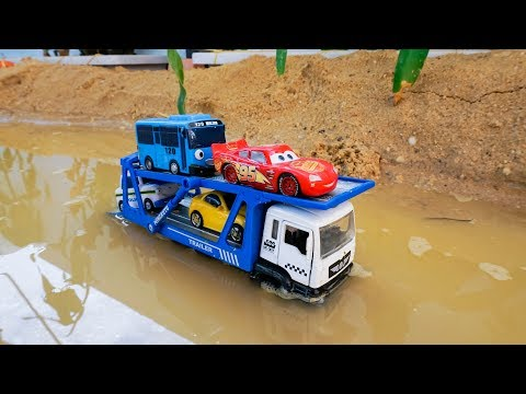 Xxx Mp4 Wheels On The Bus Truck Transport Cars Tayo Crossing On Deep Water 3gp Sex