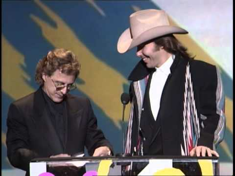 Aerosmith Wins Pop/Rock Duo or Group - AMA 1991