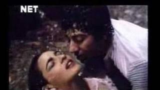 Badal Yun Garajta Hai - Betab 1983