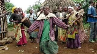 Pygmy dance, Ruhengeri, Rwanda (2)