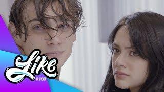 ¡Antonia sorprende a Claudio y Emilia juntos! | Like la leyenda - Televisa