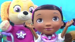 PAW PATROL BABY SKYE Visits DOC MCSTUFFINS Pet Hospital Ambulance and Doctor's Visit