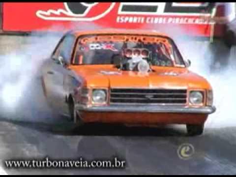 Acidente com o Ford Cobra na Arrancada