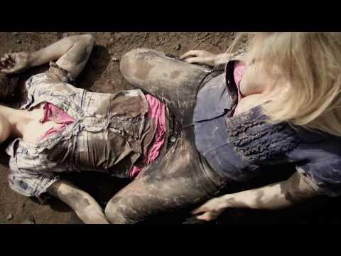 Paris Hilton catfight