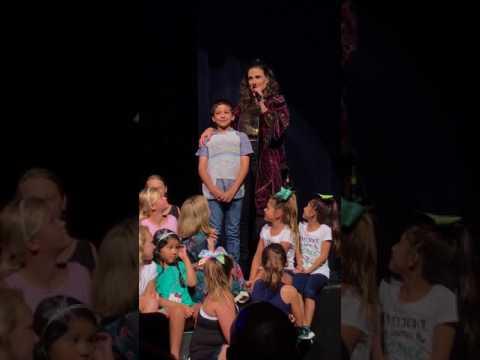 Xxx Mp4 Little Boy Shocks Idina With Amazing Musical Talent 3gp Sex