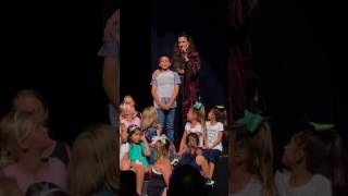 Little boy shocks Idina with amazing musical talent