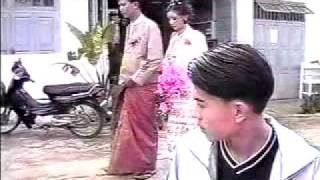 Myanmar song,khaun pow yan ငယ္ခ်စ္သူလက္ထက္ပြဲ.flv
