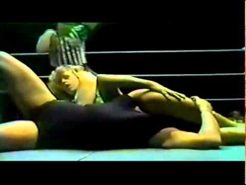 11 26 1977 Joyce Grable vs. the Fabulous Moolah
