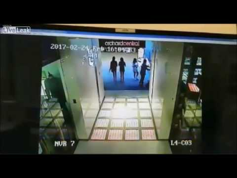 LiveLeak - 17-Year Old Boy Falls to His Death in Mall