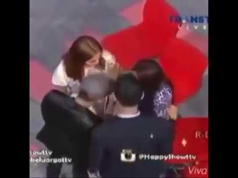 Xxx Mp4 Heboh Video Raffi Ahmad Meraba Raba Tubuh Ayu Ting Ting 3gp Sex