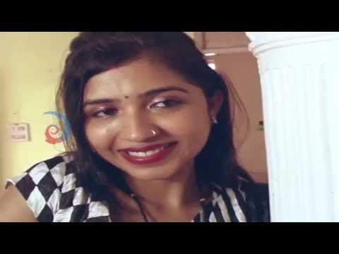 Mallu Aunty Hot Romance with Servant in Dring room