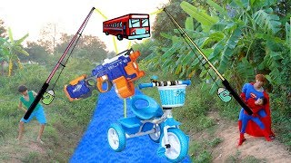 SuperHero Kids Go To School Learn Colors with Pickup Truck Toys Wheel On The Bus Song Nursery Rhymes