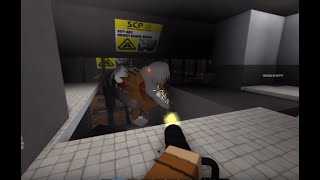 Roblox: SCP Containment Breach - Part 1! (Working SCP'S!!)