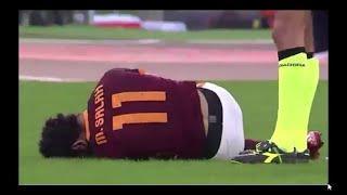 لحظة اصابة محمد صلاح فى مبارة روما vs لاتسيو 8/11/2015