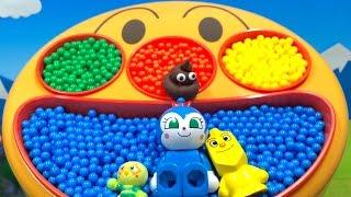 アンパンマン アニメ おもちゃ カラーボールとフェイスランチ皿 よくばりキューブボックス ぱくぱくアンパンマン はたらくくるま 宅配ピザやさん