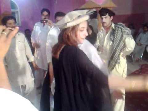pathan girl dance.mp4