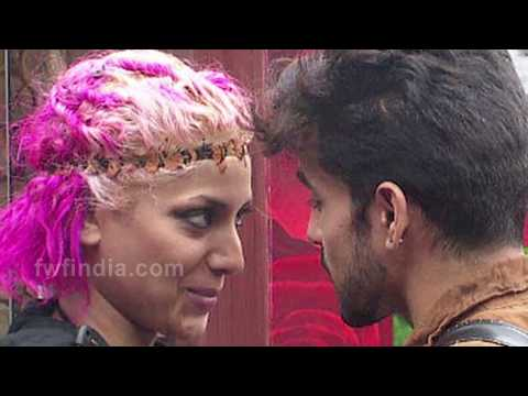 Bigg Boss Contestants CAUGHT Kissing And Getting Intimate On The Show