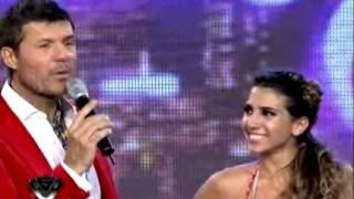 Showmatch 2011 - Cinthia Fernández incendió la pista con su hilo dental