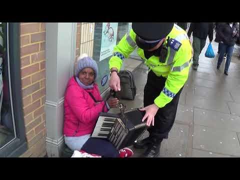 Irish Policeman Plays Accordion in London