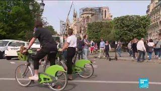 Incendie à Notre-Dame : la vie reprend aux abords de la cathédrale