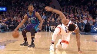 Kemba Walker Got Derrick Rose Leaning! Rose Injured - Hornets vs Knicks