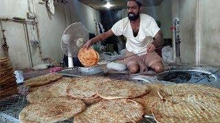 Sheermal Roti Making Street Food of Karachi Pakistan