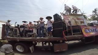 Corpus 2016 Jamay Jalisco desfile de los oficios por la calle real. Chiveros y albañiles.