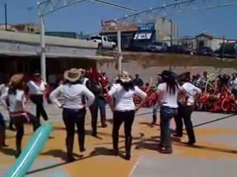 El Raton Vaquero Mamis de Preescolar bailando este Dia del niño 2013