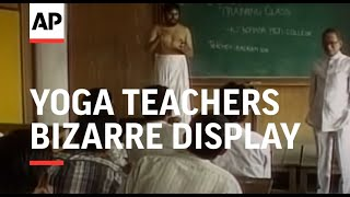 India: Mumbai: Yoga Teachers Bizarre Display - 2000