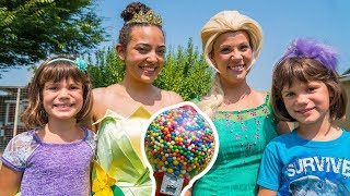 Elsa and PRINCESS TIANA teach KATE & LILLY about stealing