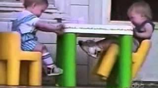 Caidas, golpes y blooper de bebes