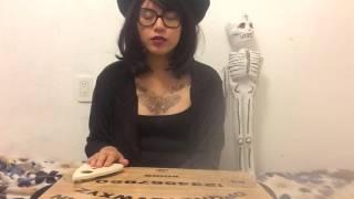Sesión de la Ouija II