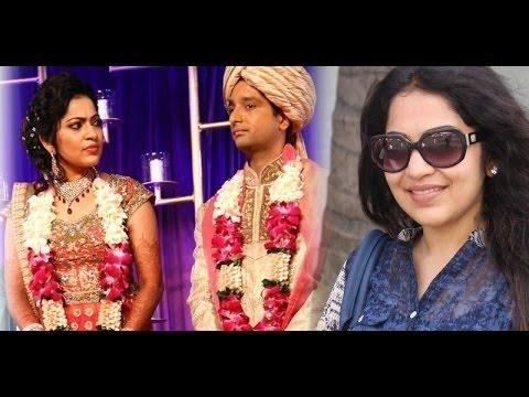 Actress Ramya Confirms her Divorce!...