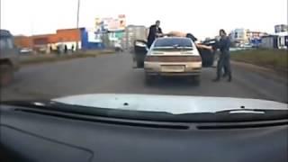 سكران في أحد شوارع روسيا !