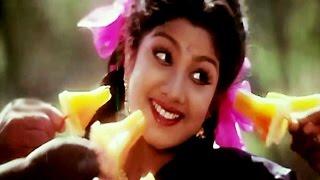 Tamil Movie Songs Valathuponnu naane..........